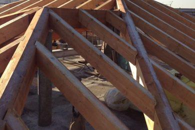 Rifacimento di tetti isolati e ventilati