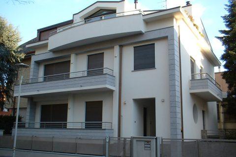 Ristrutturazione di tre appartamenti